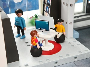 playmobil apple store imacs