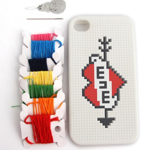 Funda punto de cruz iPhone4 2